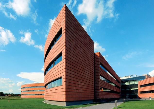 Pessina Costruzioni la società di Massimo Pessina tra i top 25 dei costruttori italiani nella classifica del Sole 24 Ore